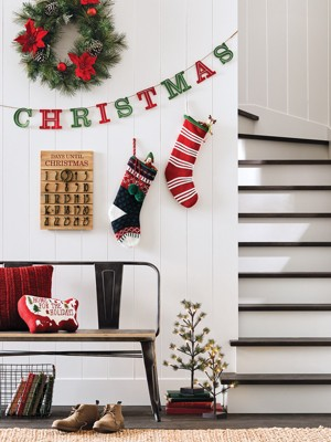 Festive Sights In Every Room. Holiday Wall Decor