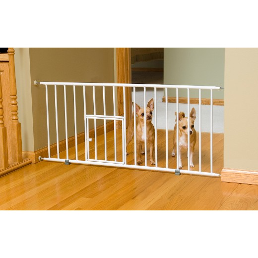 Carlson Dog Products Mini Gate with Dog Door - 18\