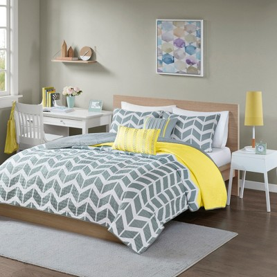Yellow Chevron Darcy Quilted Coverlet Set (Full/Queen)- 5pc