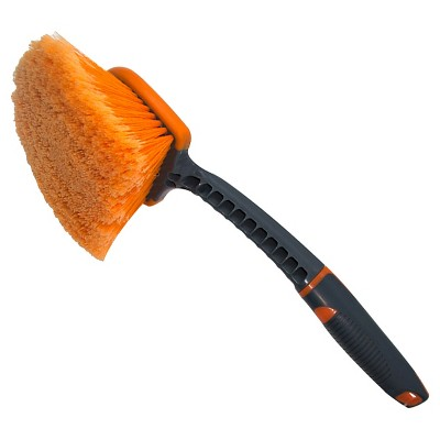 Short-Handled Tire Brush