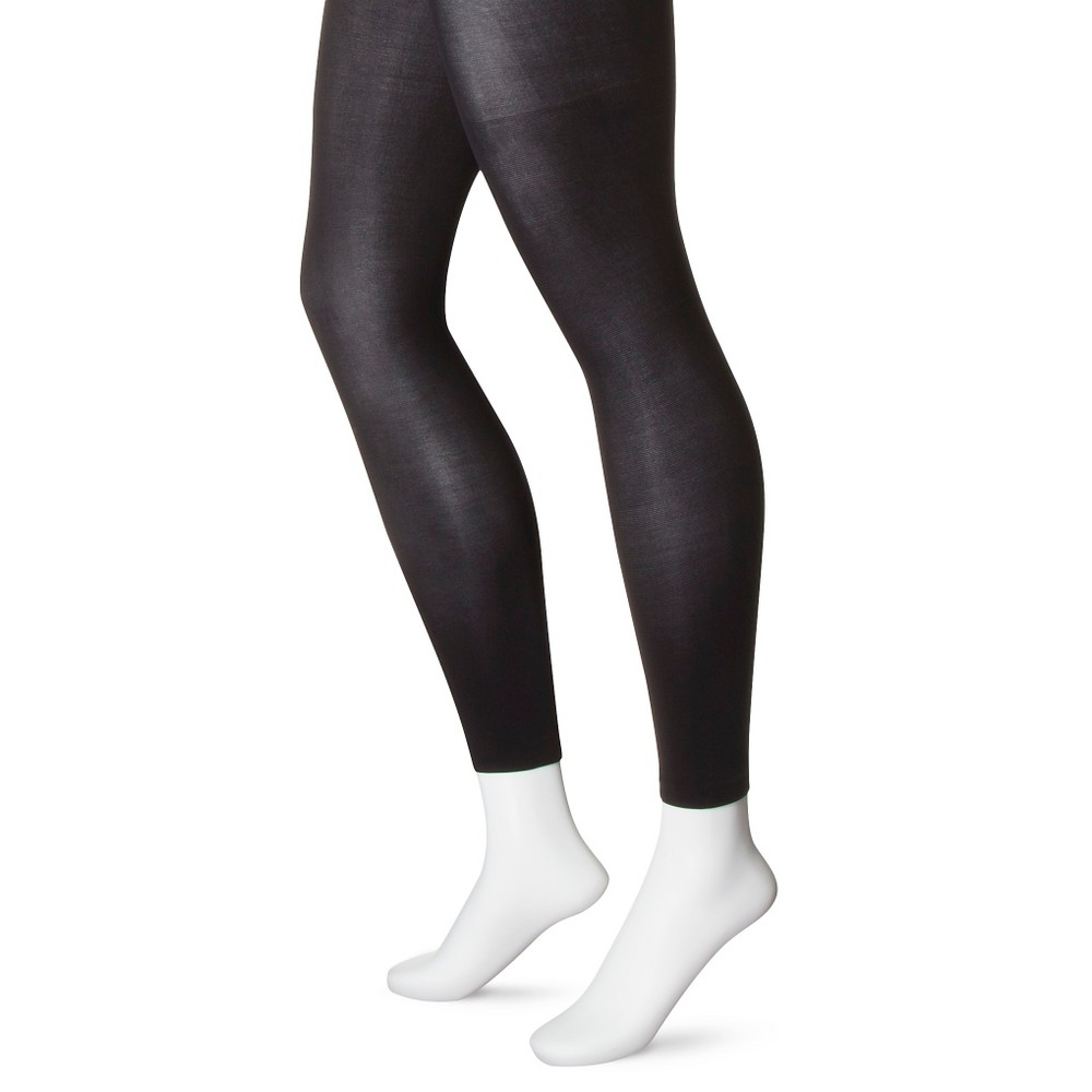 Women's Capri Tight Black - Xhilaration M/L