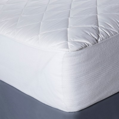 Temperature Regulating Mattress Pad (Queen)White - Threshold™