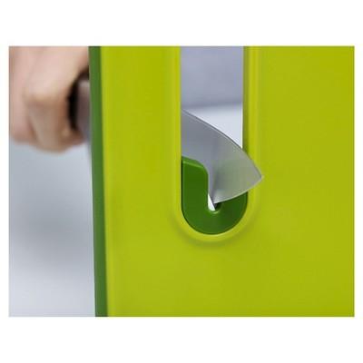joseph joseph slice u0026 sharpen chopping board with integrated knife sharpener green small