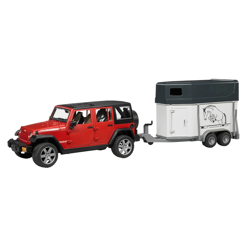 Jeep Wrangler Unlimited Rubicon w. Horse Trailer and horse