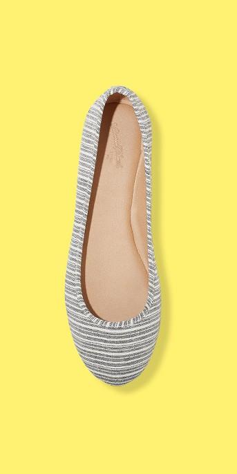 Women's Alisa Closed Toe Ballet Flats - Universal Thread™
