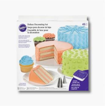 Wilton 46 Piece Deluxe Dessert Decorating Set