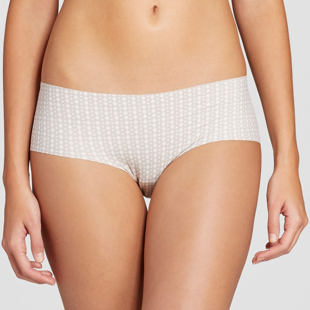 Women's No Show Laser Cut Hipster Almond Cream M