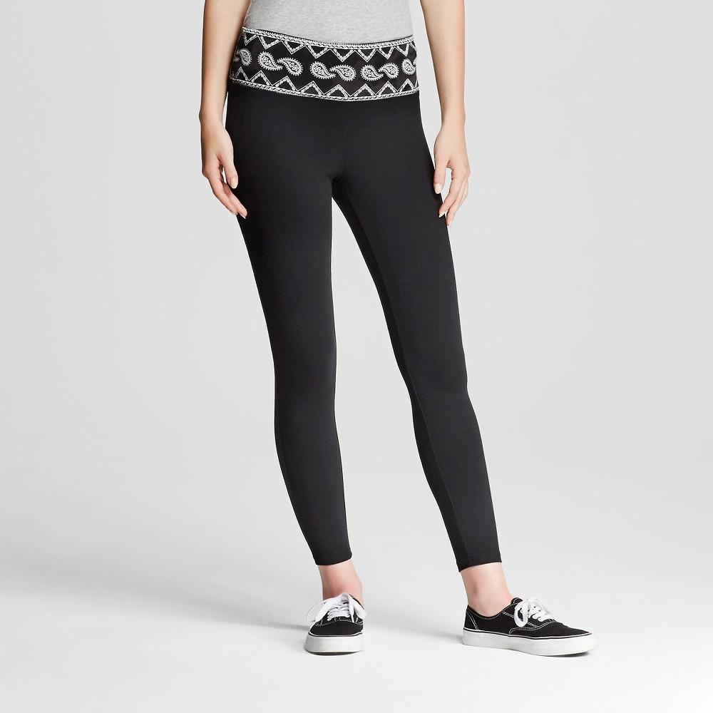 Women's Yoga Capri Leggings Flat Waistband Black and White Print XL - Mossimo Supply Co. (Juniors')