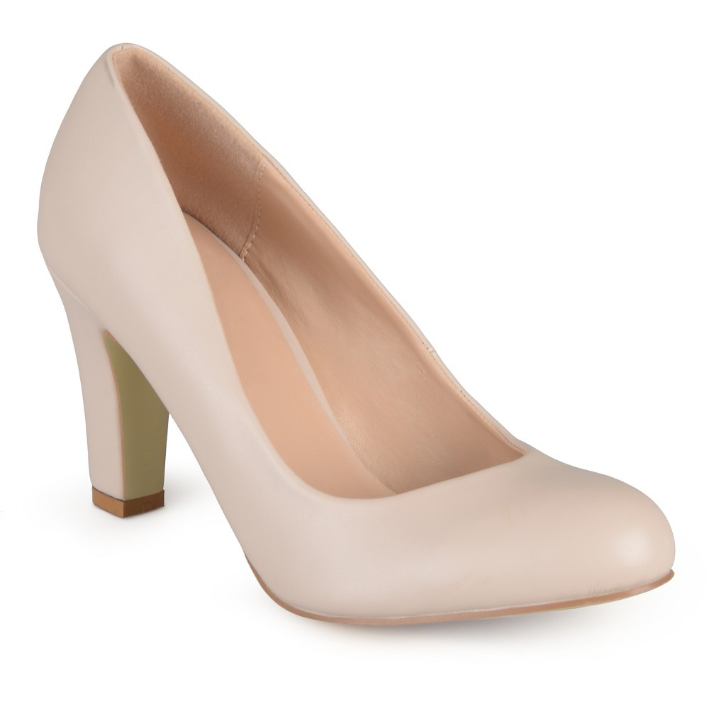 Womens Journee Collection Round Toe Matte Chunky Heel Pumps - Nude 7.5