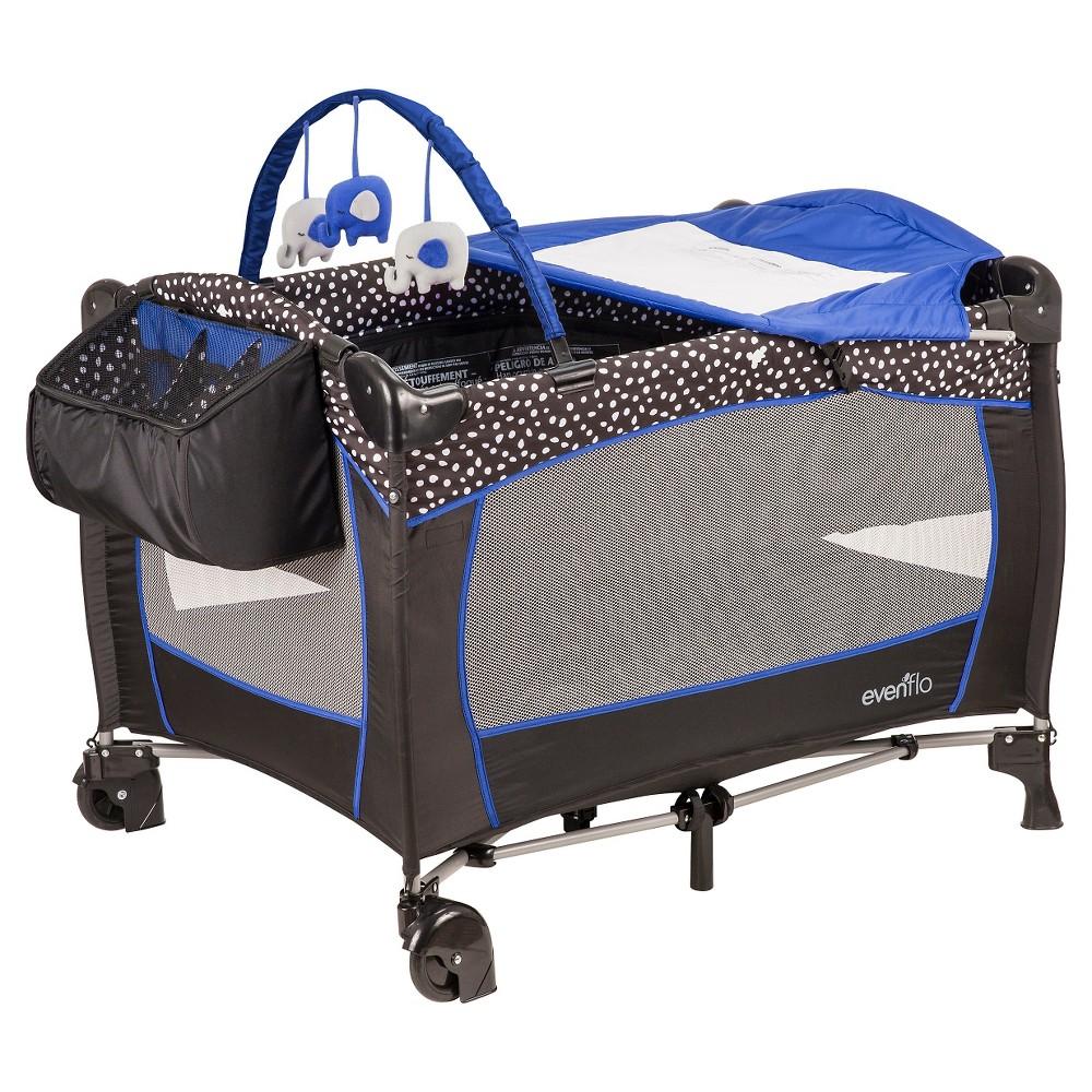 Evenflo Portable BabySuite Deluxe Playard, Hayden Dots