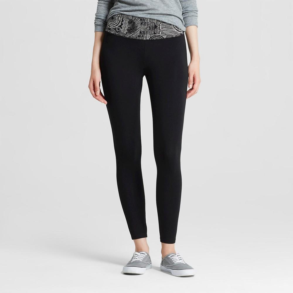 Women's Yoga Capri Leggings Flat Waistband Black and Cream Print L - Mossimo Supply Co. (Juniors'), Black/Ivory