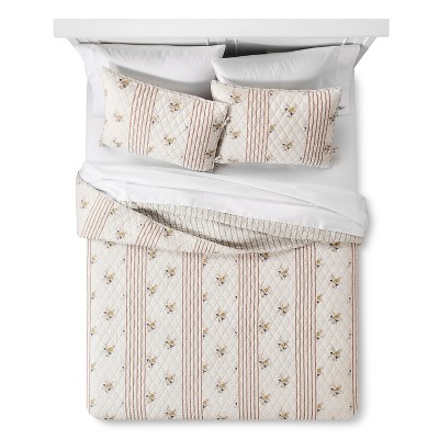 Pikes Peak Reversible Quilt and Sham Set (Full/Queen)Red 3-Piece - Beekman 1802 FarmHouse™