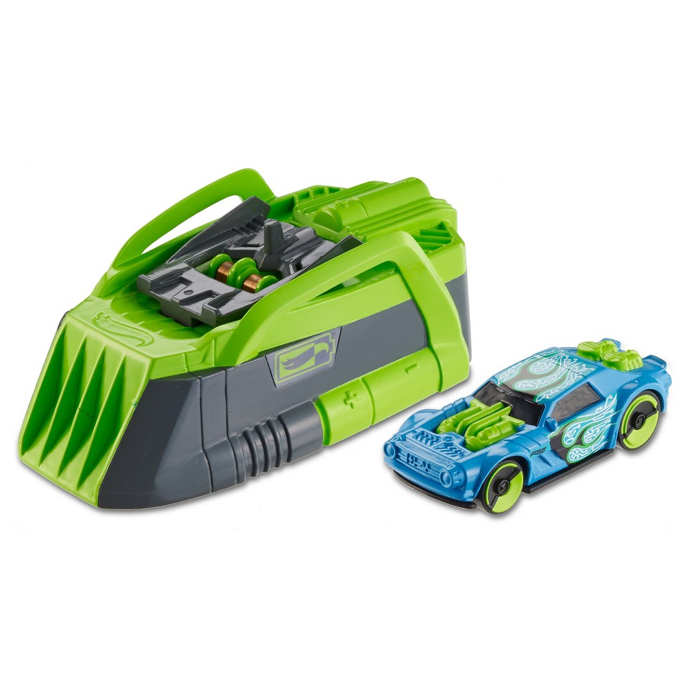 Hot Wheels Speed Chargers Nightshifter Car and Charger