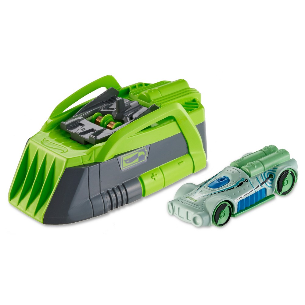 Hot Wheels Speed Chargers Retro Active Car and Charger