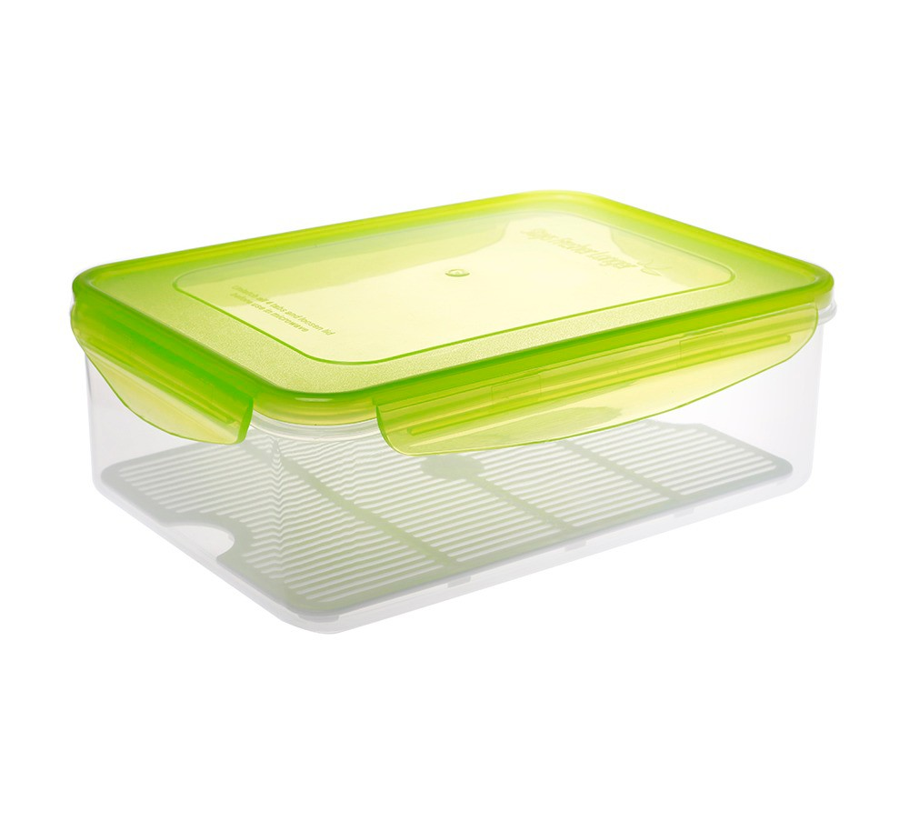 Kinetic GoGreen Fresh 112 oz. Rectangular Food Storage Container with Moisture Rack, Clear