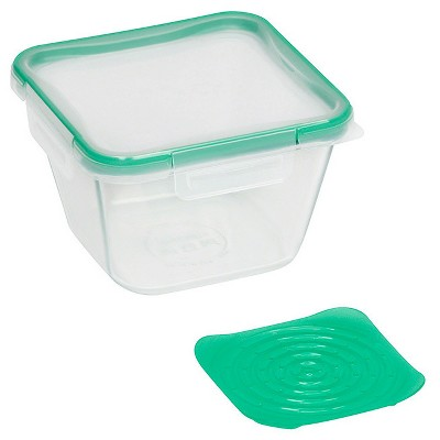 Snapware 6-Cup Glass Produce Keeper Green