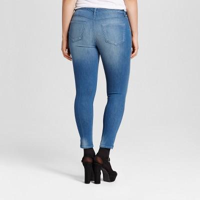 Women's Curvy Jegging Crop - Mossimo Medium Wash 2R, Size: 2, Blue