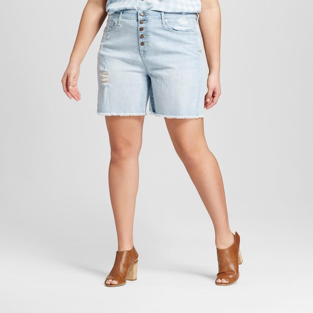 Womens Plus Size Denim Boyfriend Shorts Light Denim Wash 26W - Mossimo, Blue