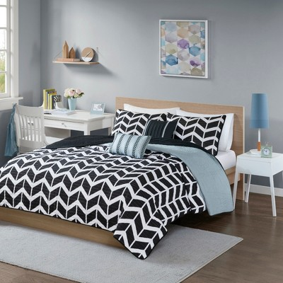 Black Chevron Darcy Quilted Coverlet Set (Full/Queen)- 5pc