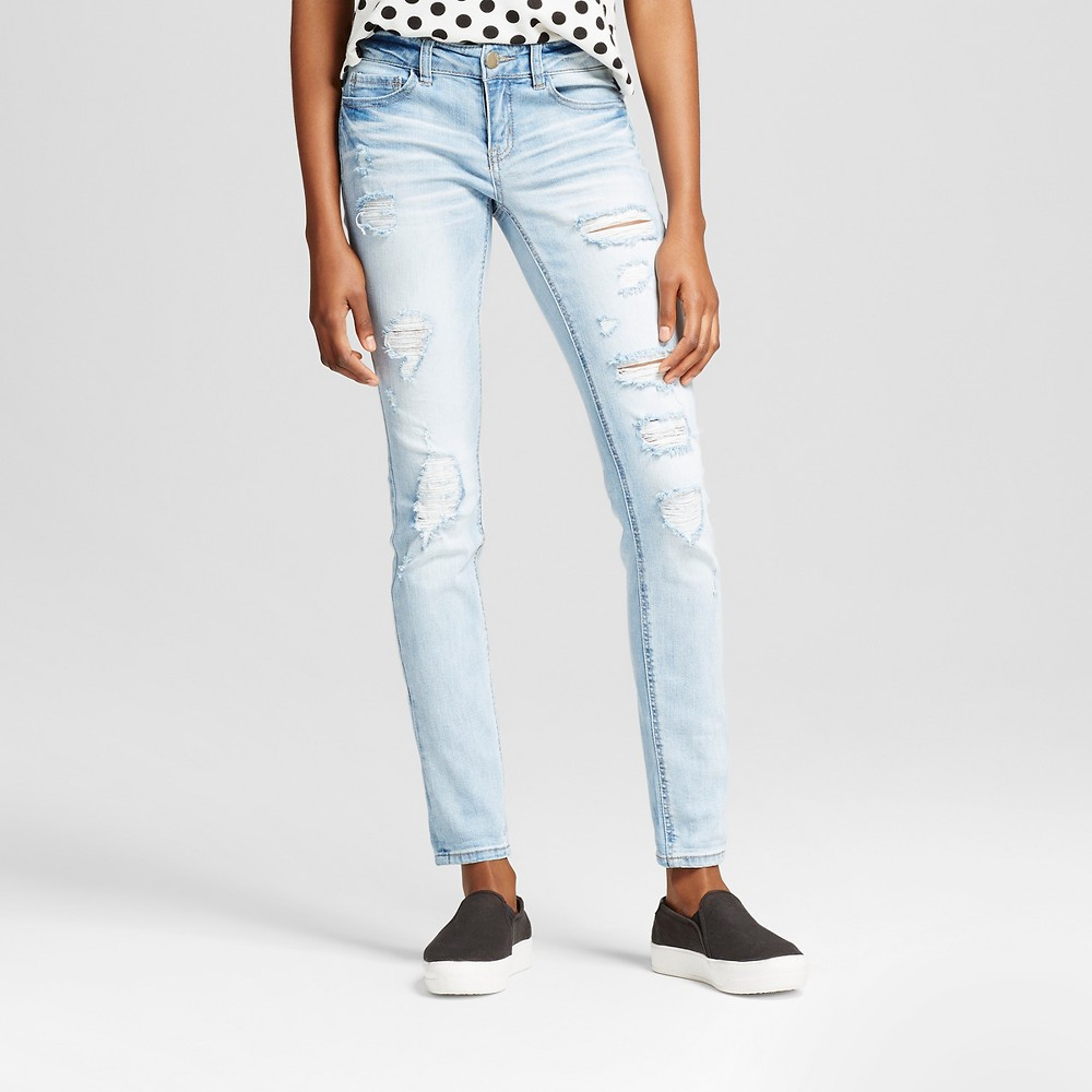 Womens Destructed 5 pocket with roll cuff Jeans - Dollhouse (Juniors) Light Wash 9, Blue
