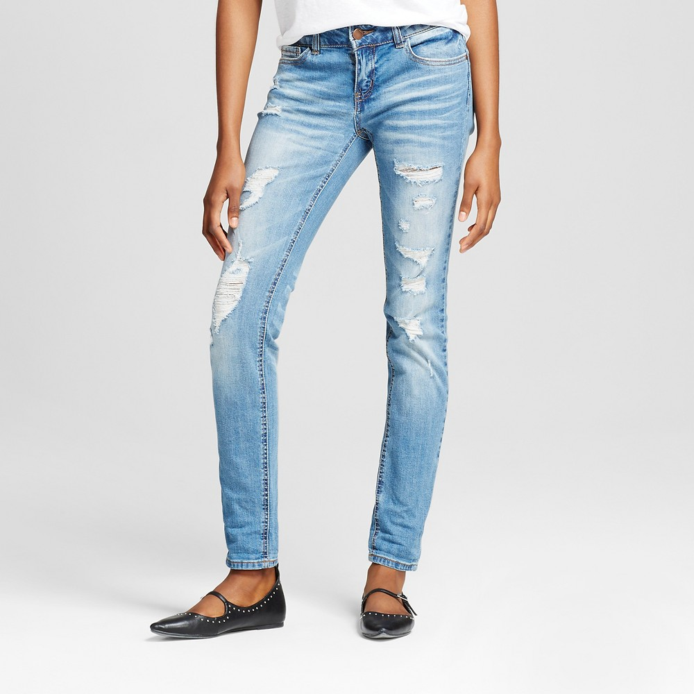 Womens Destructed 5 pocket with roll cuff Jeans - Dollhouse (Juniors) Medium Wash 7, Blue