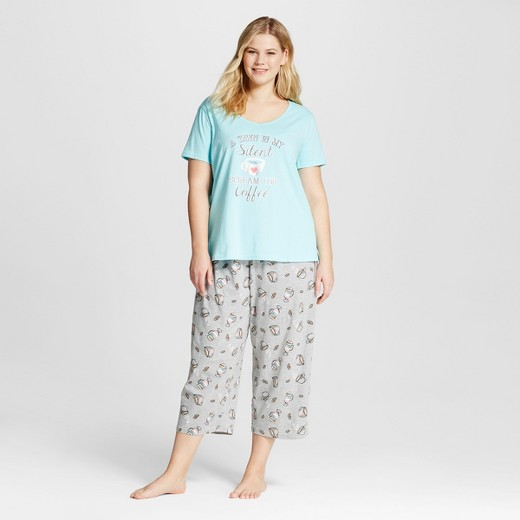 sR2 by sleep Riot® Women's Plus Size T-Shirt & Capri Pajamas Set ...