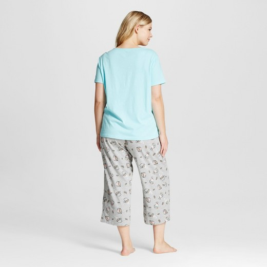 sR2 by sleep Riot® Women's Plus Size T-Shirt & Capri Pajamas Set ...