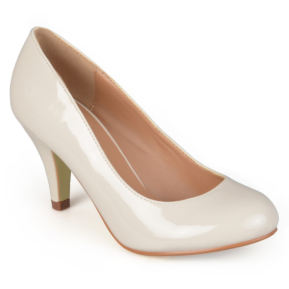 Womens Journee Collection Round Toe Patent Finish Pumps - Ivory 8.5