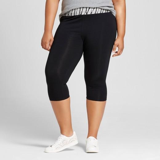 Women's Plus Size Capri Leggings Black Fern Print - Ava & Viv ...