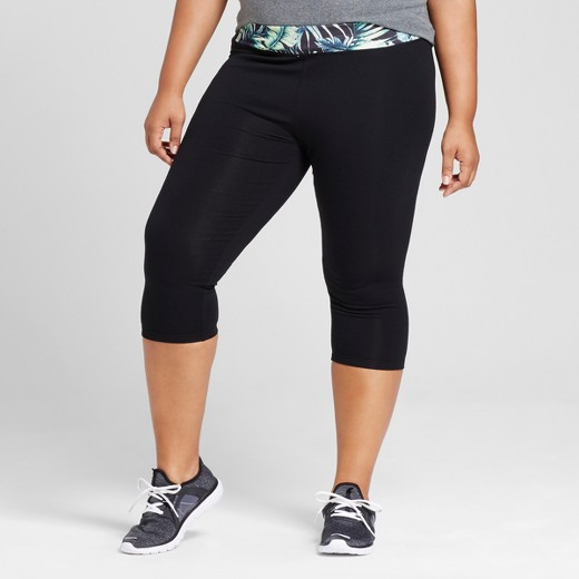 Women's Plus Size Capri Leggings Black Palm Print - Ava & Viv ...