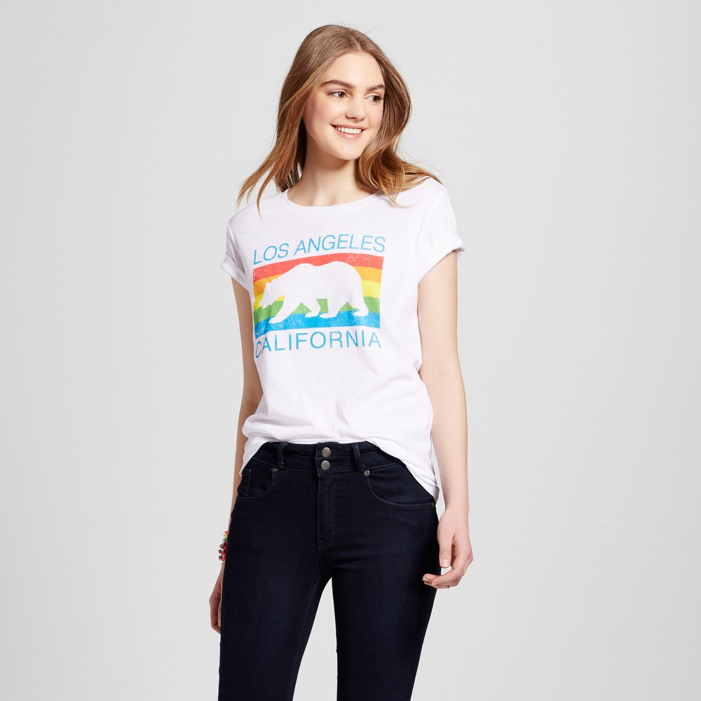 Womens Los Angeles Rainbow Bear T-Shirt XS - White (Juniors)