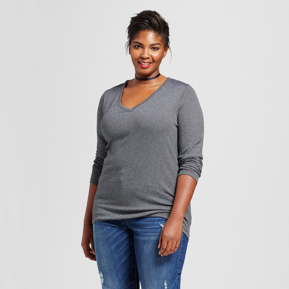 Womens Plus Size Striped Long Sleeve V-Neck T-Shirt - Ava & Viv Black/White Stripe 4X
