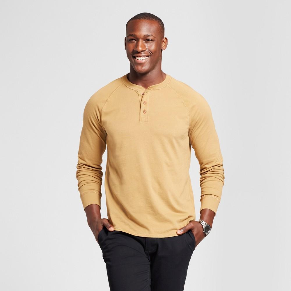 Mens Standard Fit Long Sleeve Henley T-Shirt - Goodfellow & Co Light Brown M