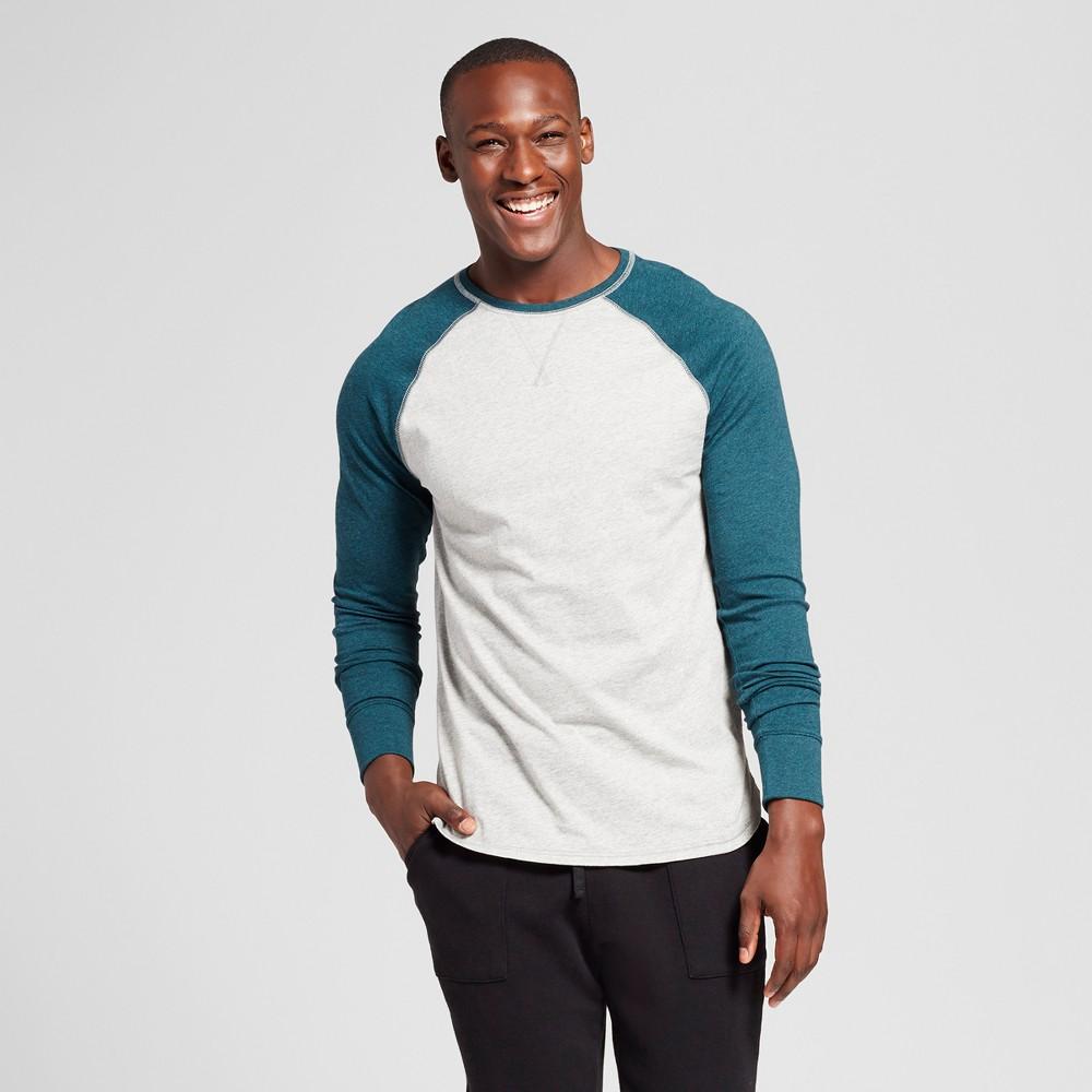 Mens Standard Fit Long Sleeve Raglan Color Block Crew T-Shirt - Goodfellow & Co Green XL