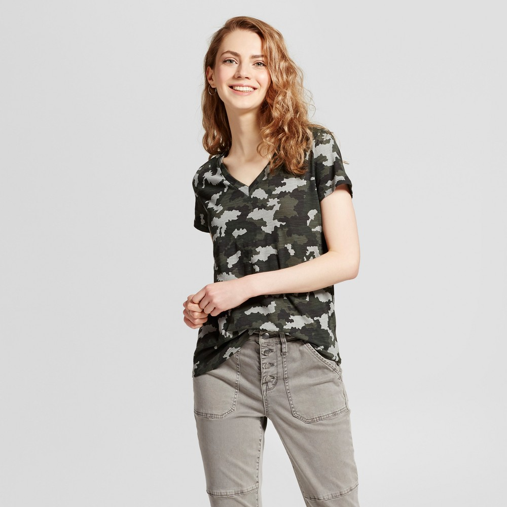 Womens Relaxed Vee T-Shirt - Mossimo Supply Co. Camo (Green) XS