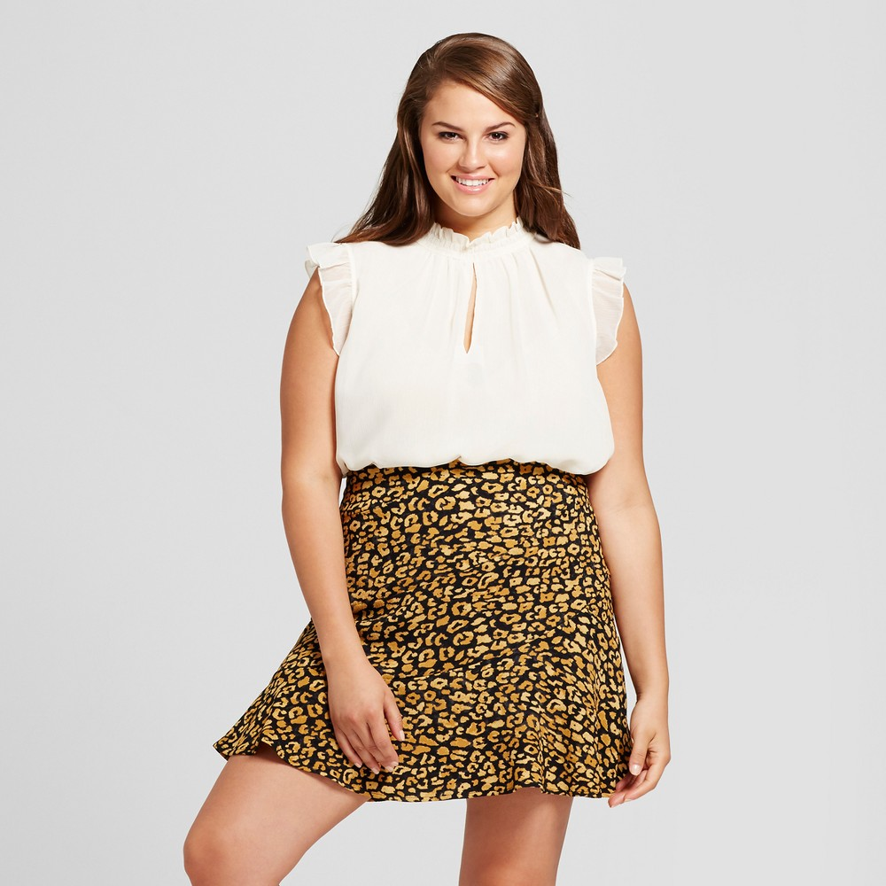 Womens Plus Size Crinkle Ruffle Blouse -Who What Wear White X