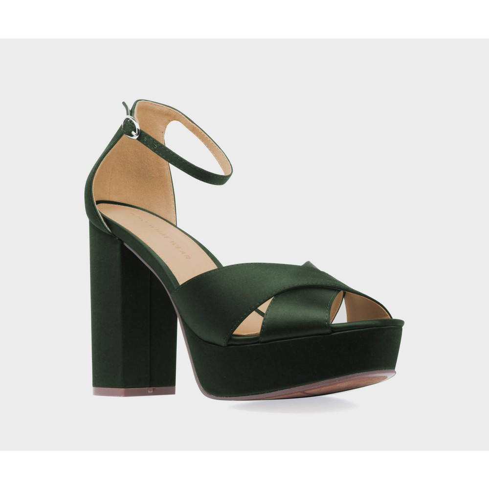 Womens Sydney Satin Platform Crossband Quarter Strap Sandal Heels Who What Wear - Green 10