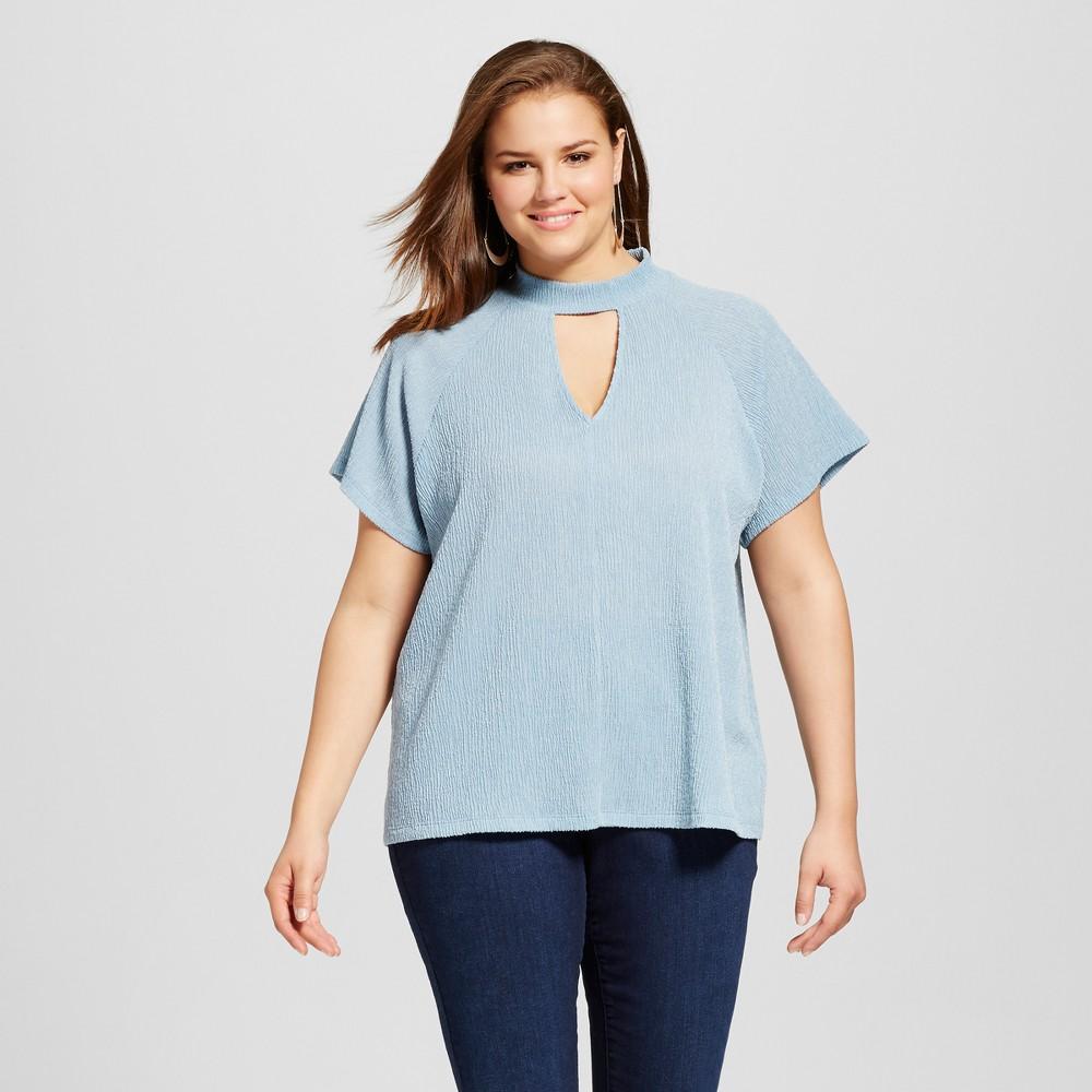 Womens Plus Size Choker Neckline Short Sleeve Blouse Light Blue 2X - Le Kate (Juniors)