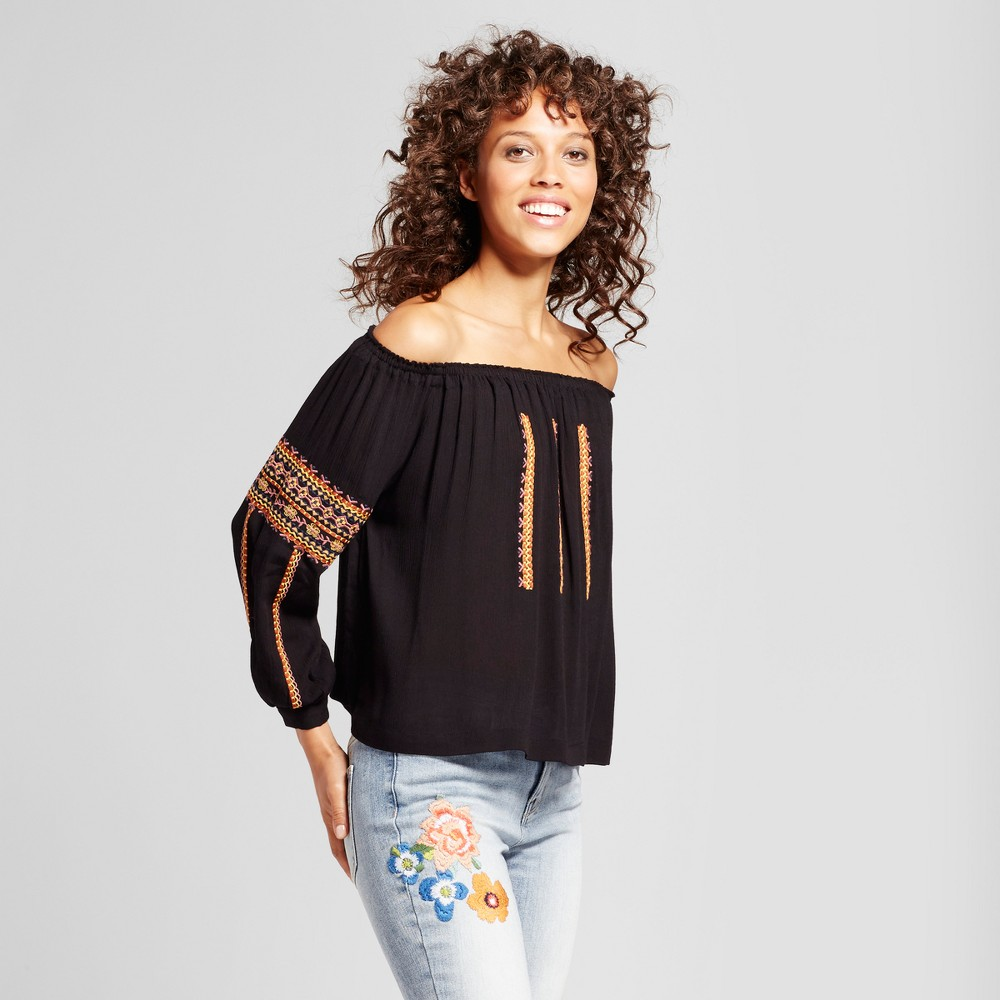 Womens Off the Shoulder Embroidered Top - Cliché Black L
