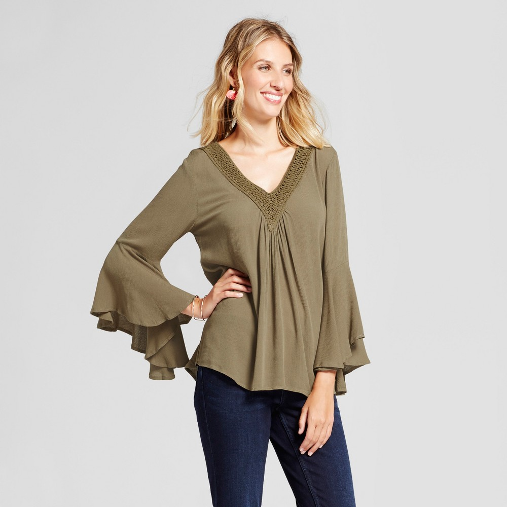 Womens V-Neck Woven Blouse with Crochet Trim - Loramendi Army Green S