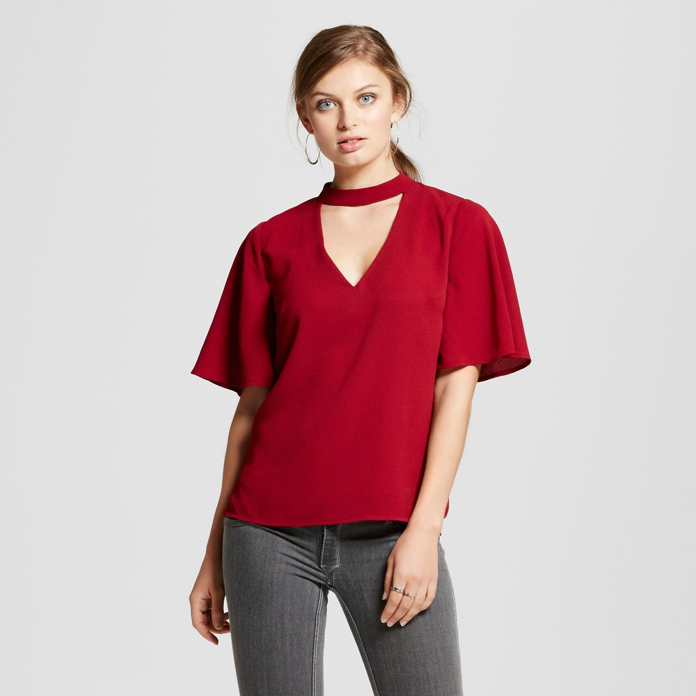 Women's Flutter Sleeve Choker Top - 3Hearts (Juniors') Red XL