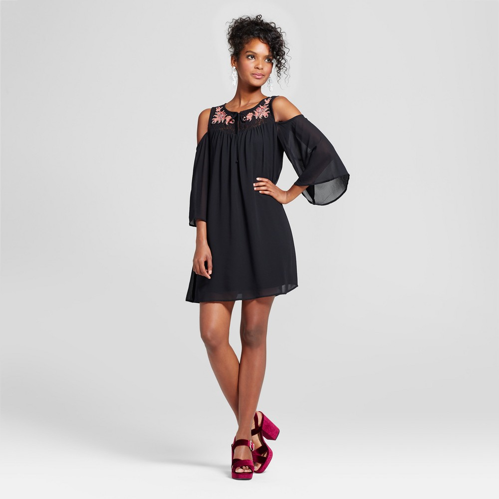 Womens Embroidered Cold Shoulder Dress - 3Hearts (Juniors) Black L