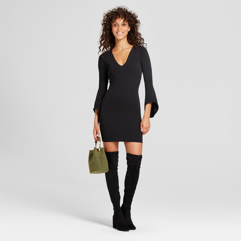Womens Bell Sleeve V-Neck Bodycon Dress - Almost Famous (Juniors) Black L