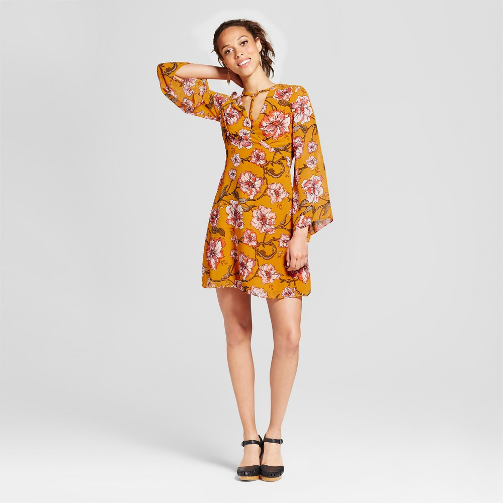 Women's Floral T-Strap V-Neck Long Sleeve Dress - Xoxo (Juniors') Gold M