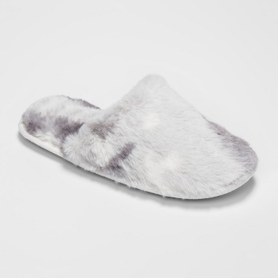 Women's Scuff Slipper with Embossed Texture Faux Fur - Gilligan & O'Malley™ - Gray/White M(7-8)