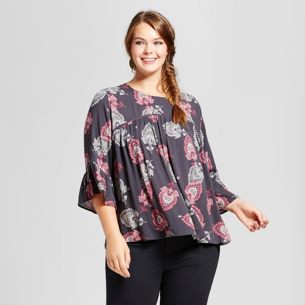 Womens Plus Size Printed Woven Bell Sleeve Top with Ladder Trim - Xhilaration Gray 1X
