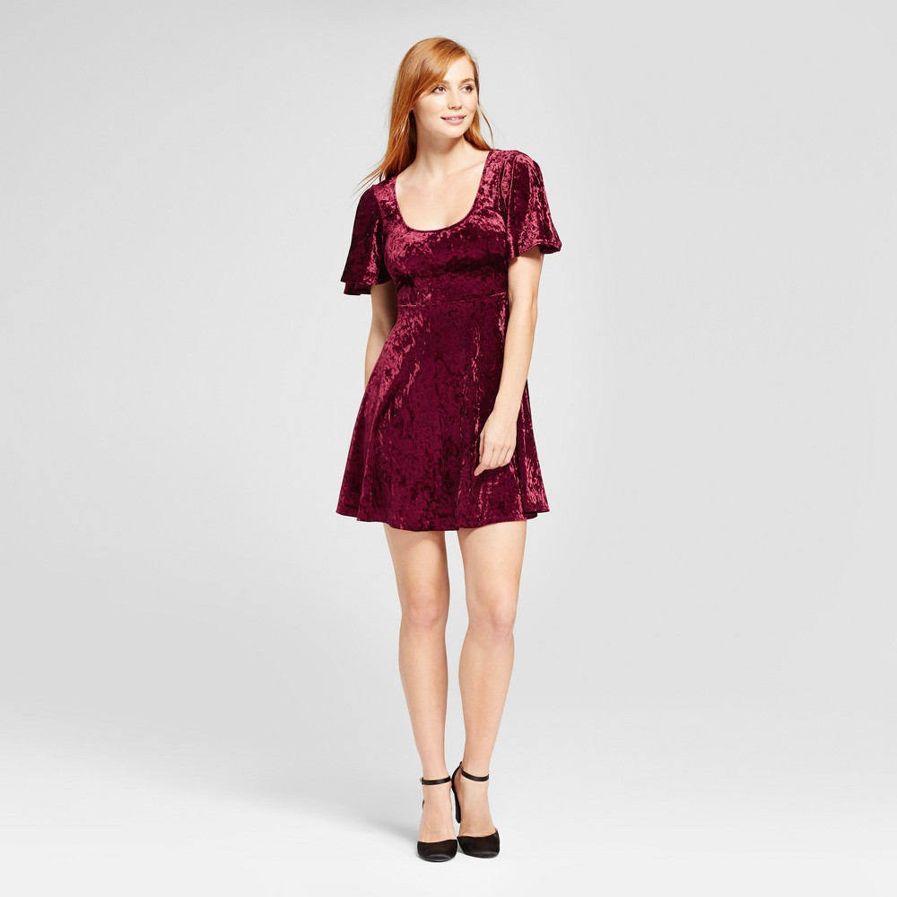 Womens Velvet Scoop Neck Fit & Flare Dress - Vanity Room Red M
