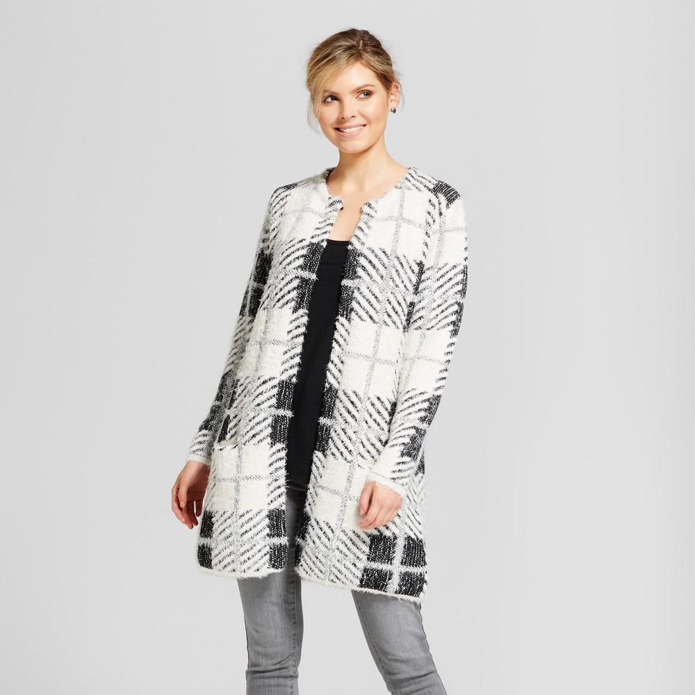 Womens Fuzzy Plaid Coatigan - August Moon White/Black S