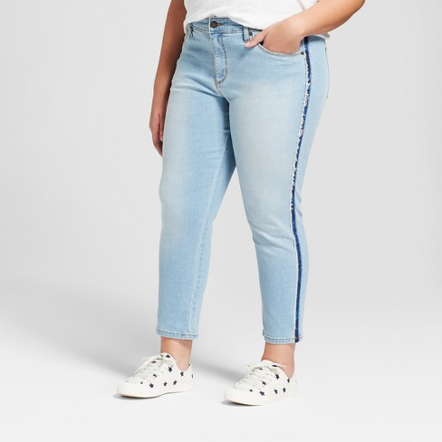 Women's Plus Size Skinny Crop Jeans - Universal Thread™ Light Wash - image 1 of 4