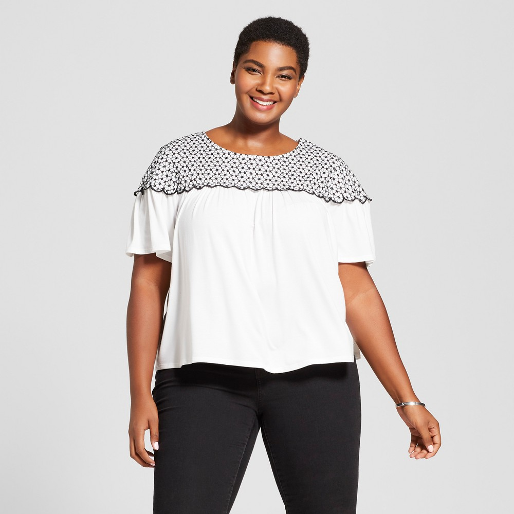 Women's Plus Size Short Sleeve T Shirt With Crochet Detail Ava & Viv White 2x